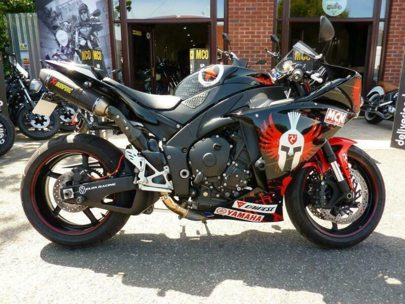 Yamaha YZF-R1 Lorenzo 11/11reg 10645miles RIDEN and SIGNED BY LORENZO | in  Orrell, Manchester | Gumtree