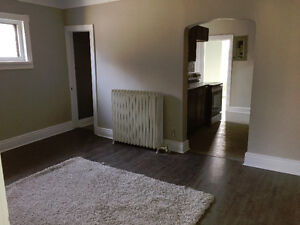 HAMILTON 2 BEDROOM APT AVAILABLE IMMEDIATELY