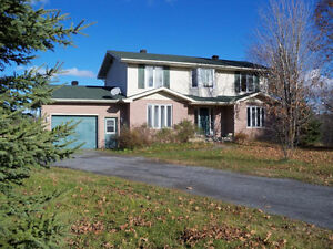 OPEN HOUSE SAT 1-3 PM Lovely Home in South Glengarry