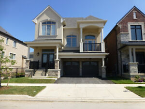Detached Home in North Oakville for Lease