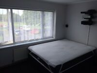 No agency fees to tenants, double furnished room available from 6 September