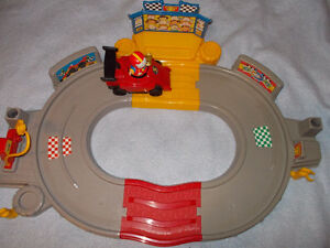 Race track toy