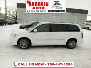 2015 Chrysler Town & Country Touring-L  - Leather Seats