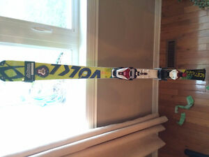 VOLKL RACETIGER 155cm SLALOM 2015-2016 RACE SKIS WITH BINDINGS