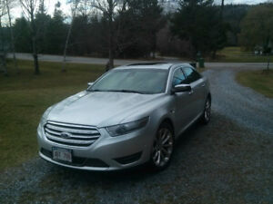 2013 Ford Taurus fully loaded