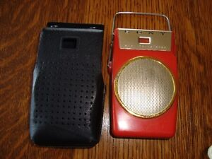 CIRCA 1960 SONY PORTABLE AM SHIRT POCKET RADIO