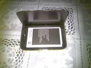 FOR (SAMSUNG NOT 3 ) DULL BATTERY CHARGER GOLDEN NEW London Ontario image 2