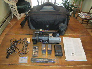 Panasonic AG-DVX100B 3-CCD Mini-DV Cinema Camcorder *BUNDLE*