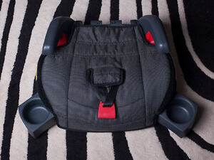 For  sale  1 car seat for 18 kg and up mint condition
