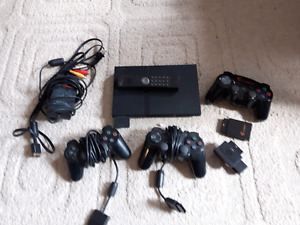 Playstation 2 Console and controllers