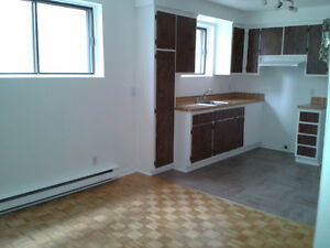 (3 1/2) 1 BEDROOM FOR RENT - MTL (Henri-Bourassa & l'Acadie)