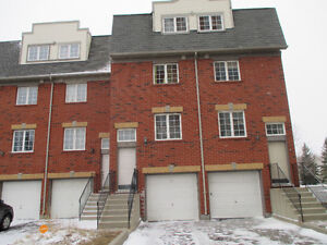 Pickering Townhome 4-5 month rental