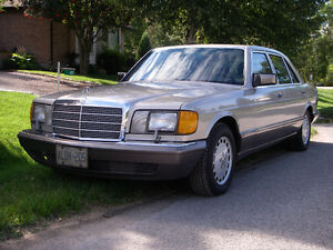 1989 Mercedes-Benz S-Class 420SEL Sedan