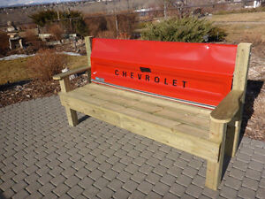 TAIL GATE BENCH – CHEVROLET TRUCK