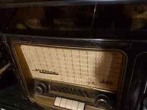 Grundig 960 Shortwave Radio Bakelite Original German London Ontario image 3