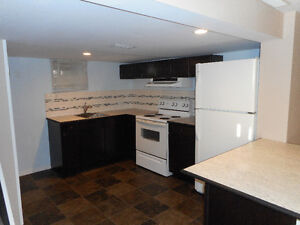 May 1st, 11/2 Bedroom Suite, SIAST, Near Shopping Malls