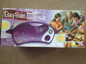 Easy Bake Oven - used once - CHILLIWACK - $25