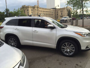 (Sold)Local 2015 Toyota Highlander XLE SUV  -8 Seaters