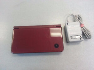 *****NINTENDO DSI XL BOURGOGNE + JEUX A VENDRE / BURGUNDY NINTENDO DSI XL + GAMES FOR SALE*****
