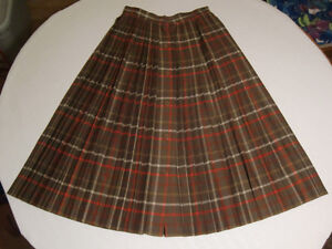 Vintage 1980s Alfred Sung Tartan Wool Pleated Skirt - size 6