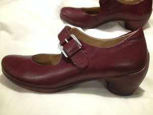 Ladies New Ecco Burgundy Leather Mary Jane Shoes Size 38