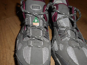 safety shoes suitable for job at Home Depot Edmonton Edmonton Area image 1