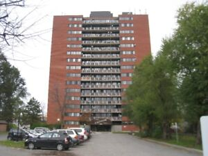 Superintendent for building of 200 Apartments