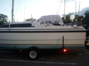 MacGregor sail boat 26X 1997 with Mercury 4st 2006 on trailer