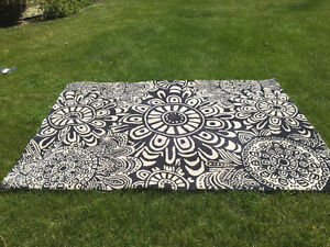 "90"" x63"" Great Condition Urban Barn Graphic Carpet   Reg.$349!"