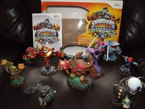 Skylanders for Wii with Portal and characters