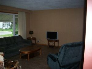 Cheapest College Rental rooms Kawartha Lakes Peterborough Area image 9