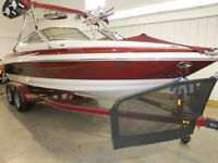 This Larson is the perfect size lake boat with lots of extras!!!