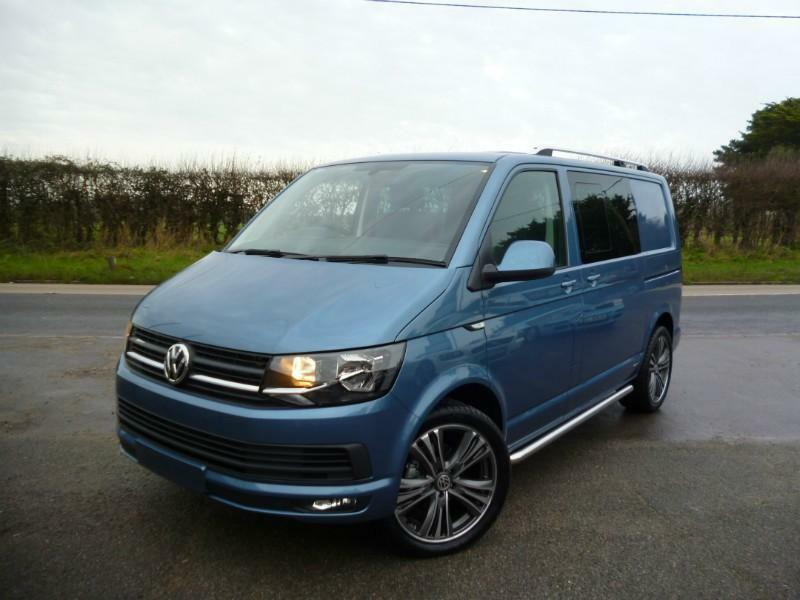 volkswagen t6 transporter kombi t30 140bhp highline in. Black Bedroom Furniture Sets. Home Design Ideas