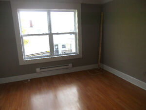 Investment or live in, 2 apt, 2 story, close to mun St. John's Newfoundland image 6