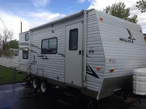 2006 Mallard travel trailer.
