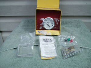 "AUTO METER  2"" WATER TEMP GAUGE WHITE FACE ELECTRIC"