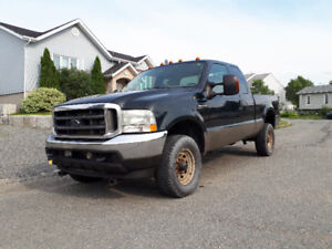 Ford F250 4x4 diesel édition Lariat