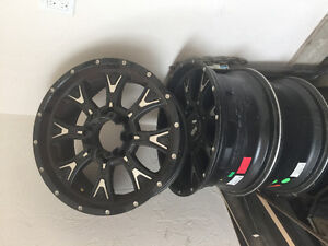 4 rims off a ford