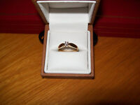 10 KT. YELLOW GOLD DIAMOND RING / SIZE 7