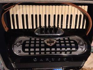 Caruso Accordion Model 100