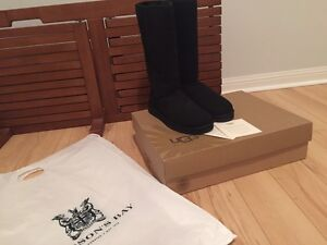 BRAND NEW WITH BOX UGG CLASSIC TALL WOMEN SIZE 10 BLACK COLOR