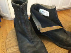 Women's black boots, ' La Canadienne' made in Canada, size 10