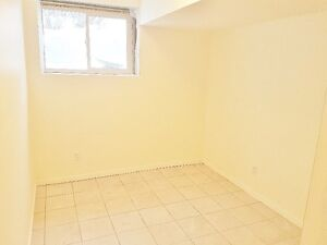 Room for RENT on 14 St and Northmount Dr Close to SAIT, UofC,