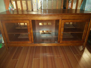 Tv stand for 60 inch tv Kitchener / Waterloo Kitchener Area image 1