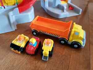 Little people garage and cars