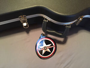 Never used - Road Runner guitar case