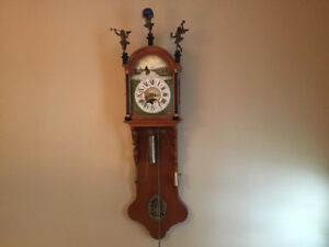 Horloge murale antique Hollandaise dite de Friesland