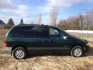 1996 Plymouth Voyager Fourgonnette, fourgon