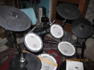 Roland V-Drums TD 4