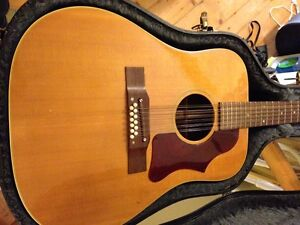 12 String Acoustic Guitar - Gibson 1969